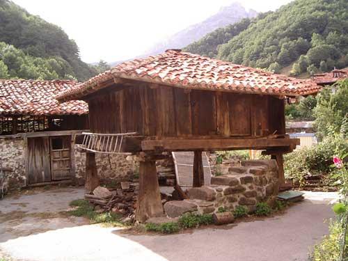 20110513164147-horreos-asturianos.jpg